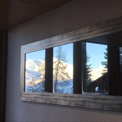 Vue sur les montagnes du miroir